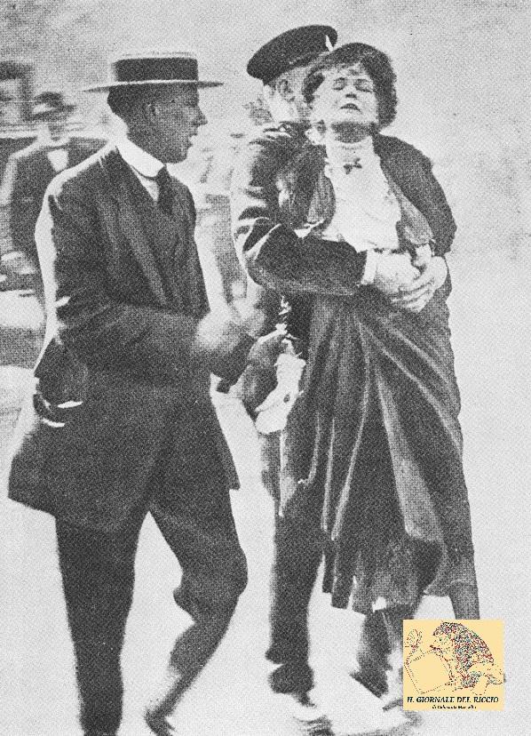 Emmeline_Pankhurst_Arrested_1914.jpg