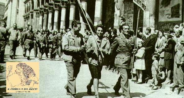 Partigiani_sfilano_per_le_strade_di_milano.jpg