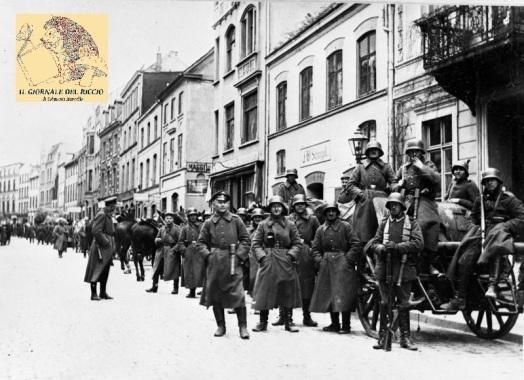 Bundesarchiv_Bild_119-2815-20,_Wismar,_Kapp-Putsch,_Freikorps_Roßbach.jpg