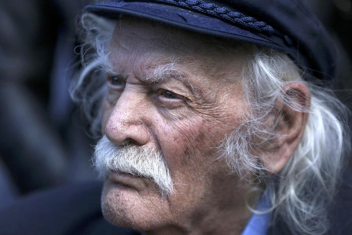 Manolis Glezos, resistance fighter and iconic Leftist, dies at 98